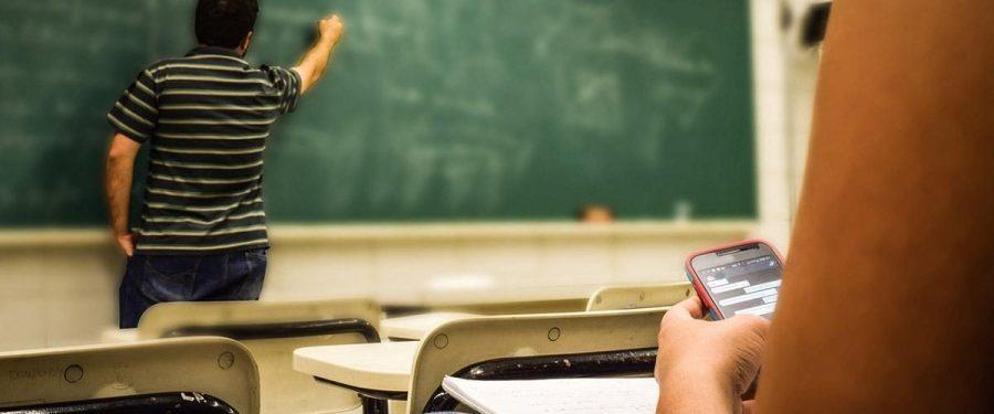 Universidades vivem clima de denuncismo e temem repressão em sala de aula