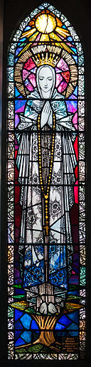 OL of Rosary-Glenbeigh_St._James'_Church_Transept_Window_Queen_of_Heaven_2012_09_09
