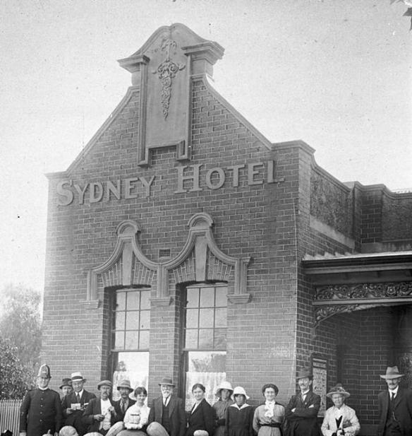 Sydney Hotel 1917 by Courtney's Thelma Studios. Courtesy Museum Victoria
