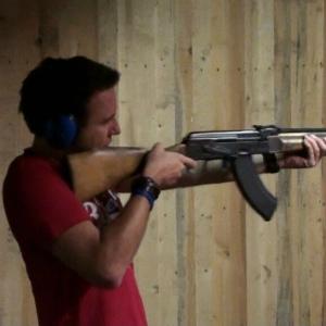 Met een AK-47 schieten