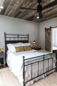 Amazing Rustic Farmhouse Master Bedroom Ideas 02