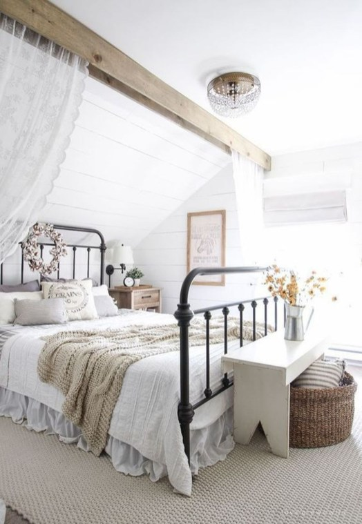 Amazing Rustic Farmhouse Master Bedroom Ideas 45
