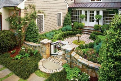 Gorgeous Front Yard Courtyard Landscaping Ideas 11