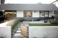Gorgeous Front Yard Courtyard Landscaping Ideas 21