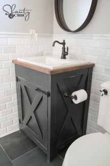 Modern Farmhouse Bathroom Remodel Ideas 47
