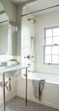 Modern Farmhouse Bathroom Remodel Ideas 51
