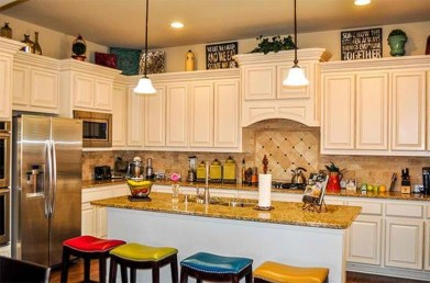 Awesome Decorating Above Kitchen Cabinets 37
