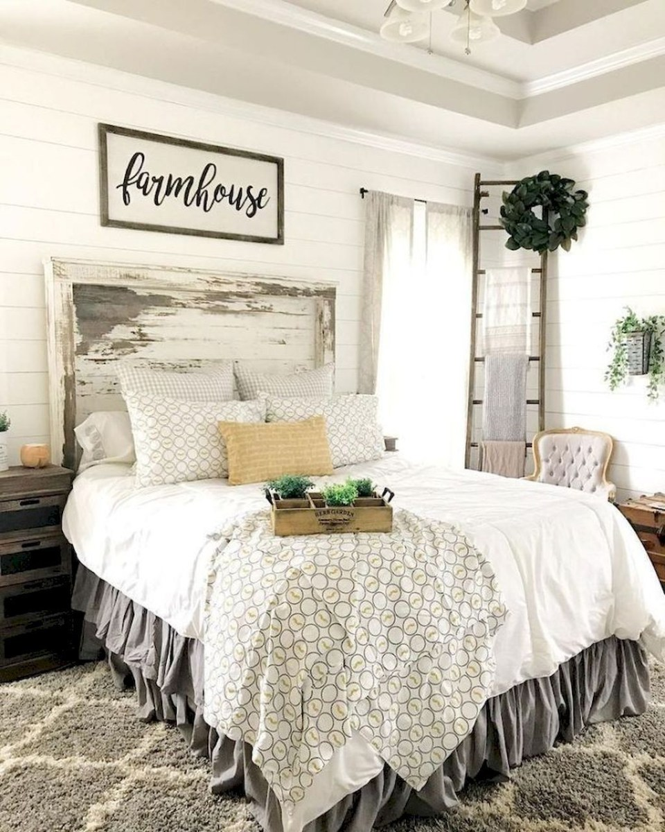 Awesome Farmhouse Style Master Bedroom Ideas 14