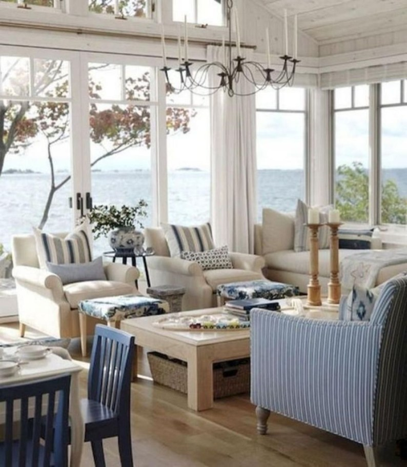 Comfy Coastal Themed Living Room Decorating Ideas 19