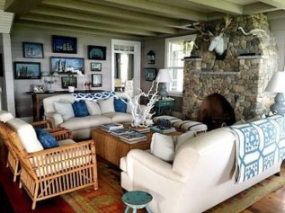 Comfy Coastal Themed Living Room Decorating Ideas 41
