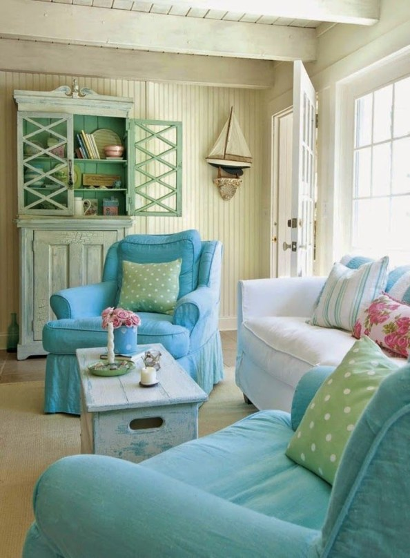 Comfy Coastal Themed Living Room Decorating Ideas 47