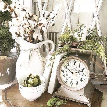 Charming Antique Farmhouse Decoration Ideas 24