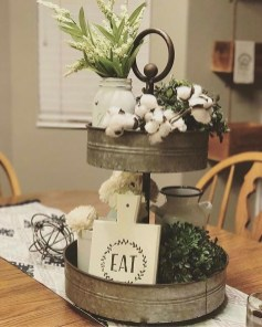 Charming Antique Farmhouse Decoration Ideas 31
