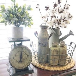 Charming Antique Farmhouse Decoration Ideas 45