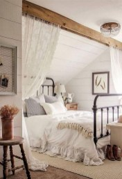 Inspiring Modern Farmhouse Bedroom Decor Ideas 40