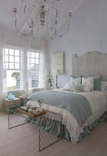 Inspiring Modern Farmhouse Bedroom Decor Ideas 52