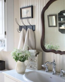 Lovely Farmhouse Bathroom Accessories Ideas 39