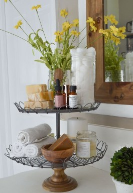 Lovely Farmhouse Bathroom Accessories Ideas 42