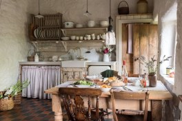 Magnificient Rustic Country Kitchen Ideas To Renew Your Ordinary Kitchen 03
