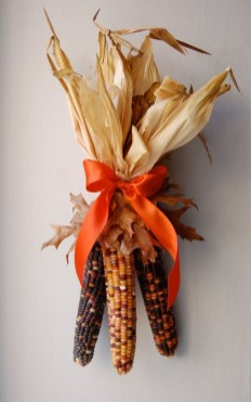 Stylish Fall Wreaths Ideas With Corn And Corn Husk For Door 18