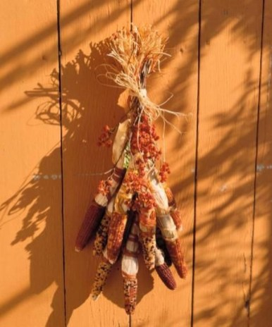 Stylish Fall Wreaths Ideas With Corn And Corn Husk For Door 41