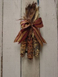 Stylish Fall Wreaths Ideas With Corn And Corn Husk For Door 43