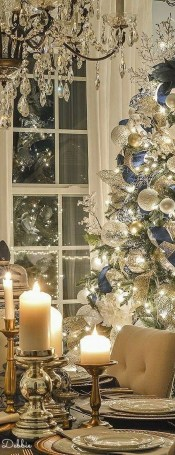 Adorable Gold Christmas Decoration Ideas 52