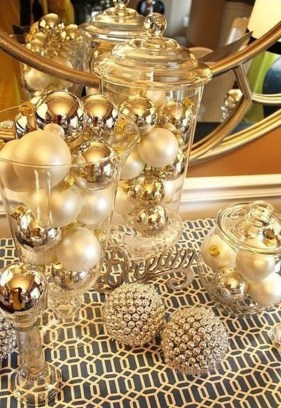 Amazing Gold Christmas Decoration Ideas 33