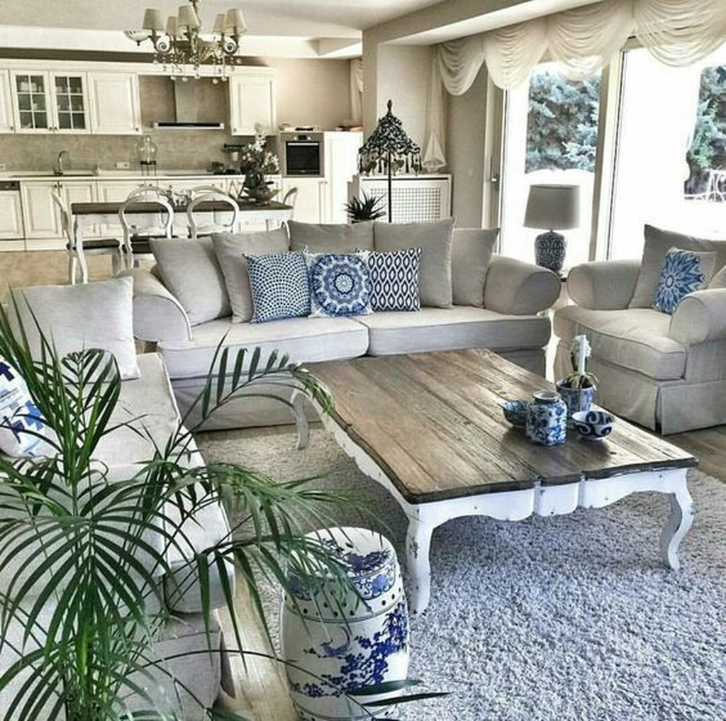 Awesome French Farmhouse Living Room Design Ideas 22