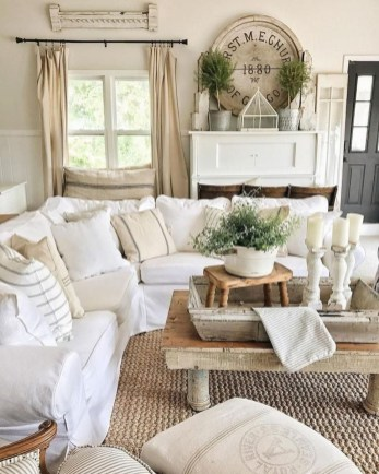 Awesome French Farmhouse Living Room Design Ideas 32