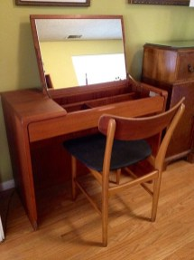 Cozy Mid Century Dressing Tables Vanities Ideas 15
