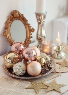 Fascinating Christmas Decor Ideas For Small Spaces 13