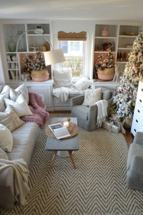 Fascinating Christmas Decor Ideas For Small Spaces 26