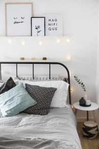 Fascinating Christmas Decor Ideas For Small Spaces 48