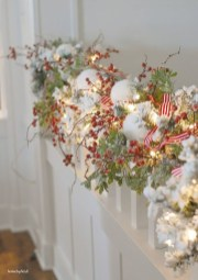 Gorgeous Ways To Decorate Your Stairs In This Christmas Ideas 11