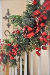 Gorgeous Ways To Decorate Your Stairs In This Christmas Ideas 12