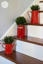 Gorgeous Ways To Decorate Your Stairs In This Christmas Ideas 32