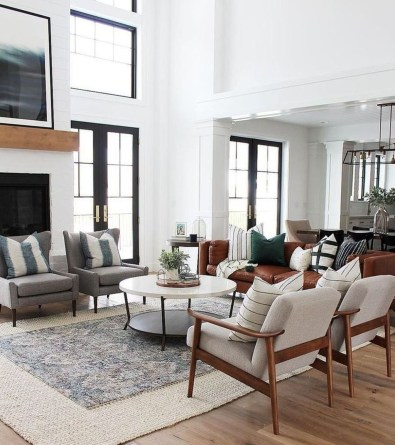 Incredible White Walls Living Room Design Ideas 10