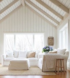 Incredible White Walls Living Room Design Ideas 12