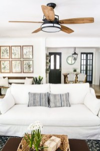 Incredible White Walls Living Room Design Ideas 30
