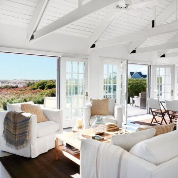 Incredible White Walls Living Room Design Ideas 52