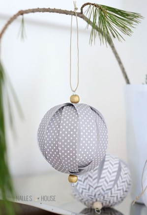 Lovely Homemade Christmas Decorations Ideas 32