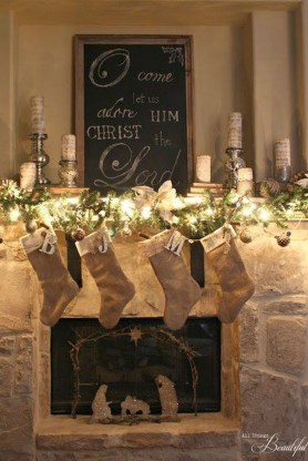 Lovely Traditional Christmas Decorations Ideas 07