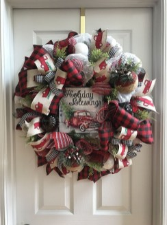 Magnificient Rustic Christmas Decorations And Wreaths Ideas 09