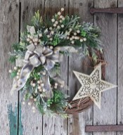 Magnificient Rustic Christmas Decorations And Wreaths Ideas 11
