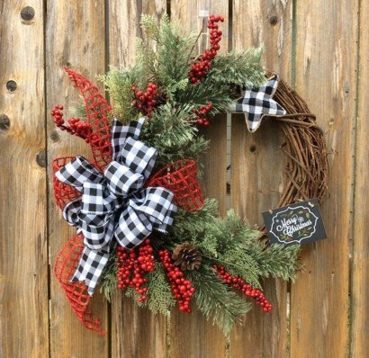 Magnificient Rustic Christmas Decorations And Wreaths Ideas 12