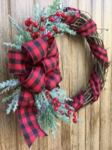 Magnificient Rustic Christmas Decorations And Wreaths Ideas 30