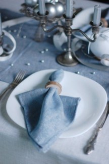 Modern Rustic Christmas Table Settings Ideas 10