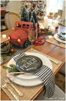Modern Rustic Christmas Table Settings Ideas 11