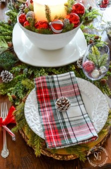 Modern Rustic Christmas Table Settings Ideas 19